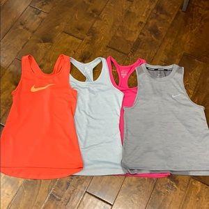 Women's Nike Tank Top Bundle Size:XS